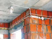 Замена электропроводки в квартире. Замена проводки в новостройке после черновой отделки.