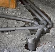 Замена канализации цена. Замена канализационных труб в квартире лучшее средство от постоянных засоров. В этом случае нашими мастерами будет выполнена замена чугунных труб на пластиковые.