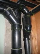 Замена канализационного стояка. Основным материалом, как для поквартирной разводки, так и для канализационных стояков является полипропилен.