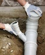 Замена канализационной трубы. Сроки замены канализации зависят от объема работы, но, если подойти к делу профессионально, то можно сделать все за один рабочий день.