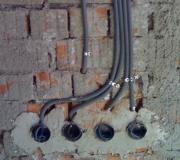 Замена проводки цена.  Осуществить демонтаж старой проводки, подготовить и качественно заменить электропроводку могут лишь опытные мастера.